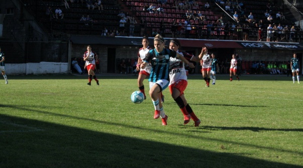 Racing le ganó 3-0 a Defensores de Belgrano